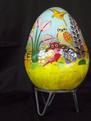 Large egg - 1960s. 22.5cm high, 16.5cm wide, 52.5cm around.