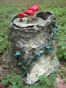 Tree Stump Jar, another view by Evelyn Nearhood