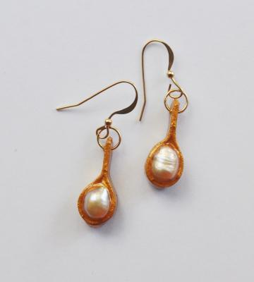 """Recycled paper gold earrings with pearls"" by Minna Ben-Nun"