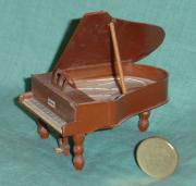 'Mini' grand piano by David Osborne
